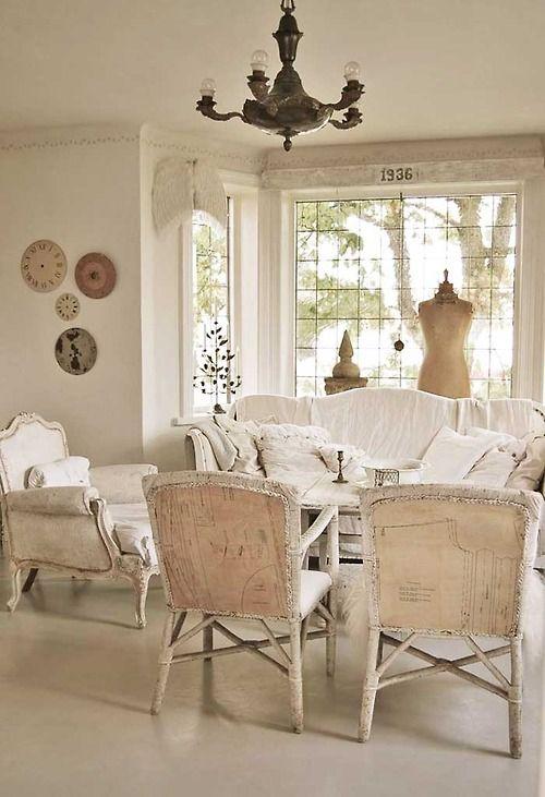 eskitme-mobilyalarin-cok-yakisacagi-salon-dekorasyonlari-3